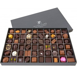 RECTANGULAR BOX OF CHOCOLATES 750 G