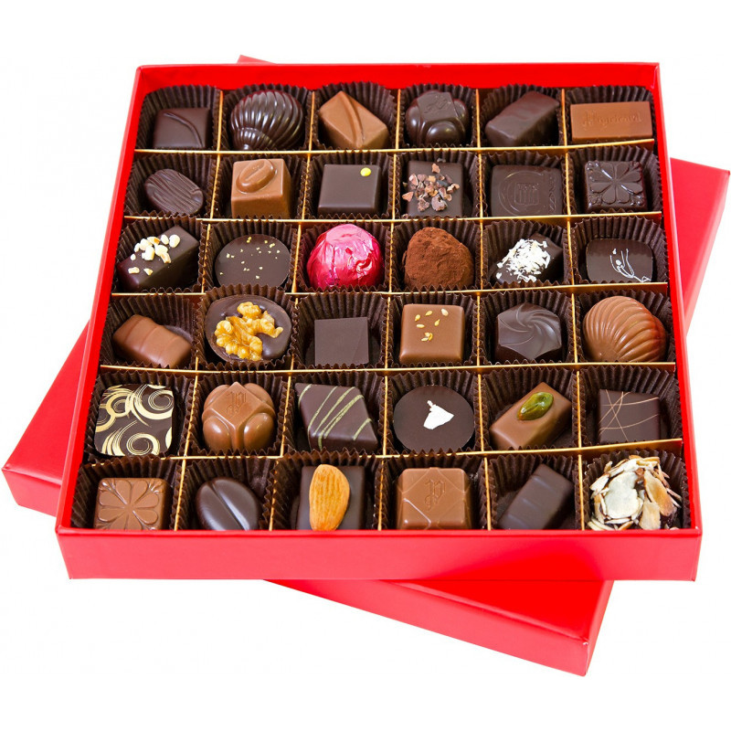 FLUO SQUARE RED BOX OF CHOCOLATES