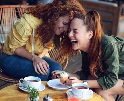 filles qui rient